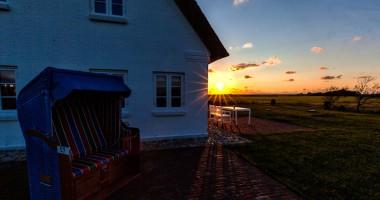 Lieblingsbleiben_Sonnenuntergang_am_Haus