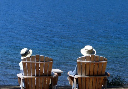 Adirondack_Chairs_Lounging_BeSeaside