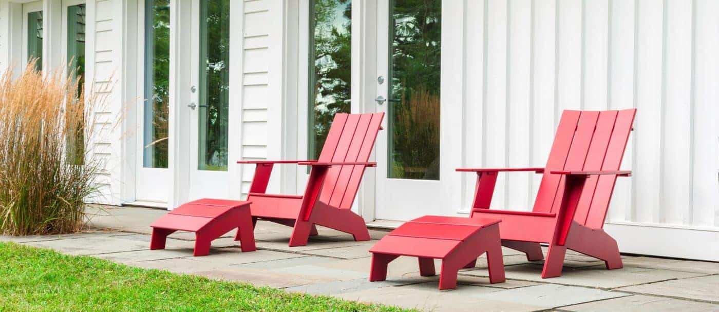 LollDesigns Adirondack Chair 4SlatFlat apple red rot mit Fussbaenken Ottomans FOTO copyright LOLL DESIGNS