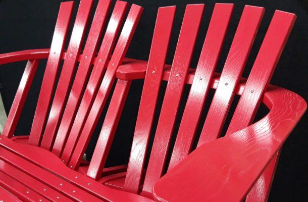 BeSeaside ALSTERBANK Zweisitzer LoveSeat Parkbank Gartenbank Eiche Massivholz lackiert RAL 3027 himbeerrot bild4 Kopie