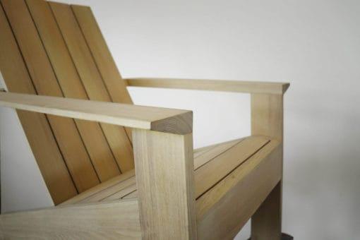 BeSeaside ESPRESSO Premium Adirondack Chair Robinie Vollholz geoelt Detail